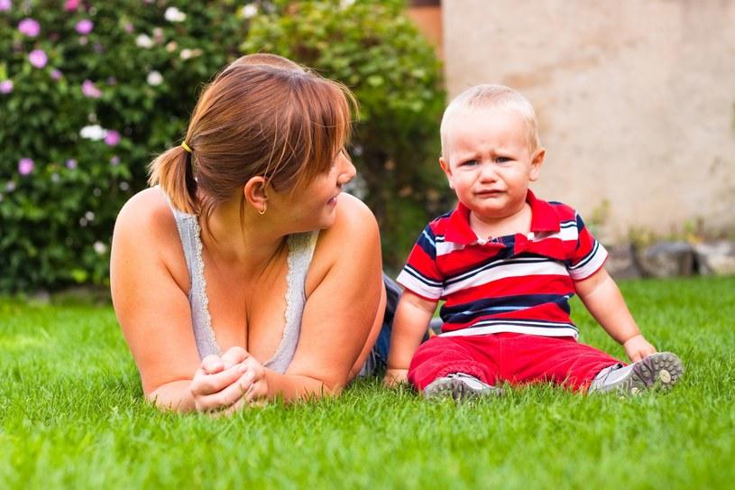 Coraz więcej kobiet rezygnuje z życia zawodowego, aby wychowywać dzieci /©123RF/PICSEL
