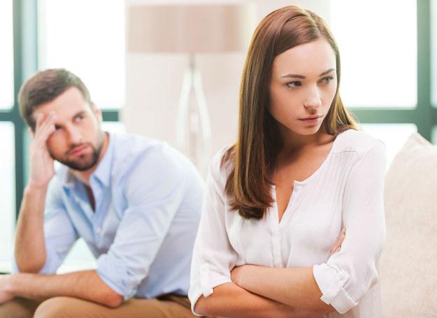 Coraz więcej kobiet woli żyć samotnie, niż w nieudanym związku /123RF/PICSEL