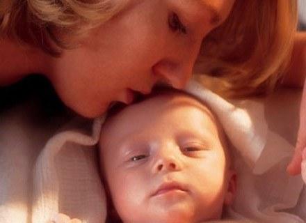 Coraz więcej kobiet wybiera poród aktywny /INTERIA.PL