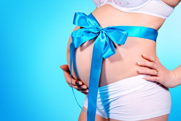 Coraz więcej kobiet zachodzi w ciążę po 30. roku życia /123/RF PICSEL