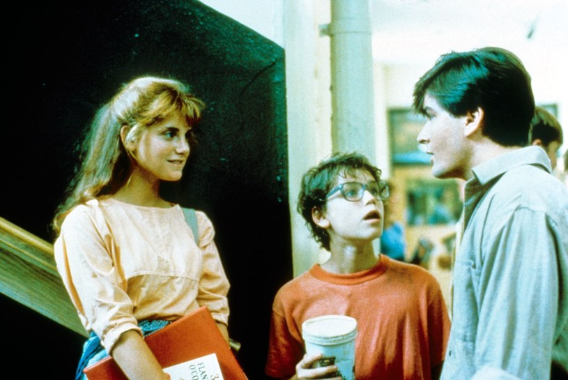 "Corey Haim (C) i Charlie Sheen (P) na planie filmu ""Lucas"" /Mary Evans Picture Library /East News"