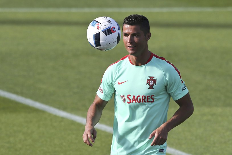 Cristiano Ronaldo już dołączył do reprezentacji /PAP/EPA