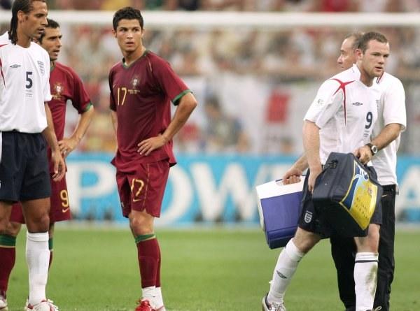 Cristiano Ronaldo przyczynił się do usunięcia z boiska Wayne'a Rooneya /AFP