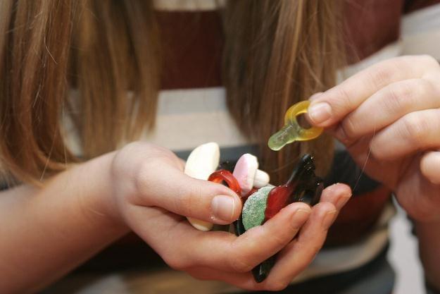 Cukierki mogą zawierać substancje psychoaktywne /East News