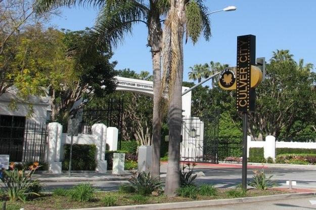 Culver City - tutaj powstały kultowe dzieła kinematografii. W tle widać studio filmowe Sony Pictures /INTERIA.PL