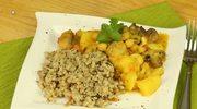 Curry z ciecierzycą, ziemniakami i orzechami nerkowca
