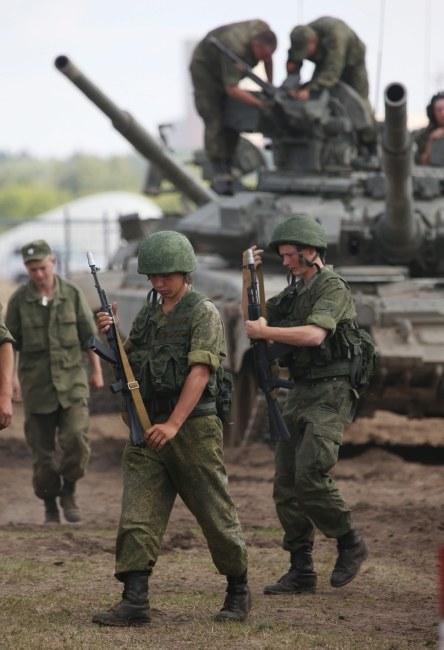 Ćwiczenia rosyjskich żołnierzy /SERGEI CHIRIKOV /PAP/EPA