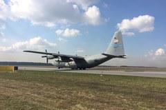 Ćwiczenia wojskowe na lotnisku w Powidzu