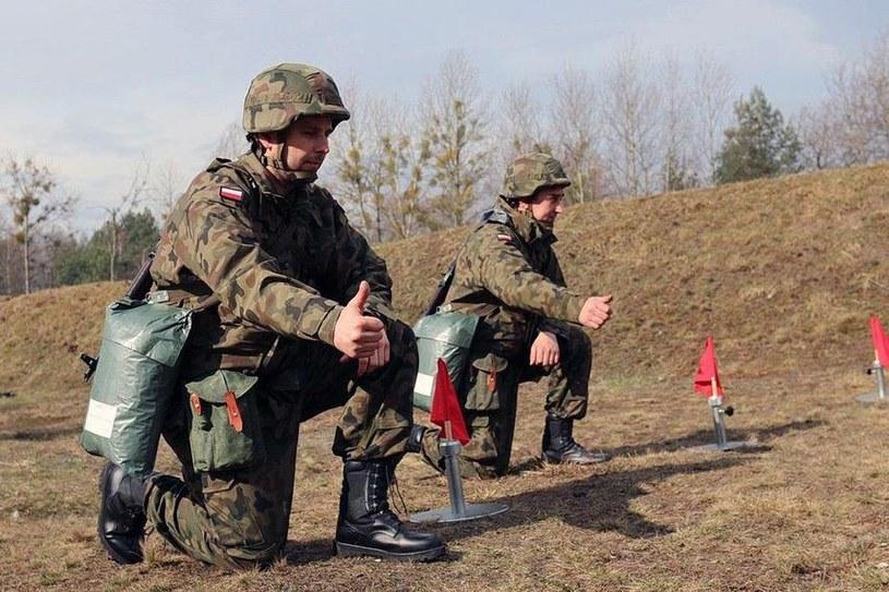 Ćwiczenia żołnierzy rezerwy 5 Pułku Chemicznego w Tarnowskich Górach /Paweł Leppert, Marcin Gil/mon.gov.pl /