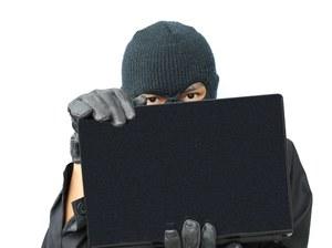 Cyberprzestępcy coraz sprawniej kradną nasze pieniądze