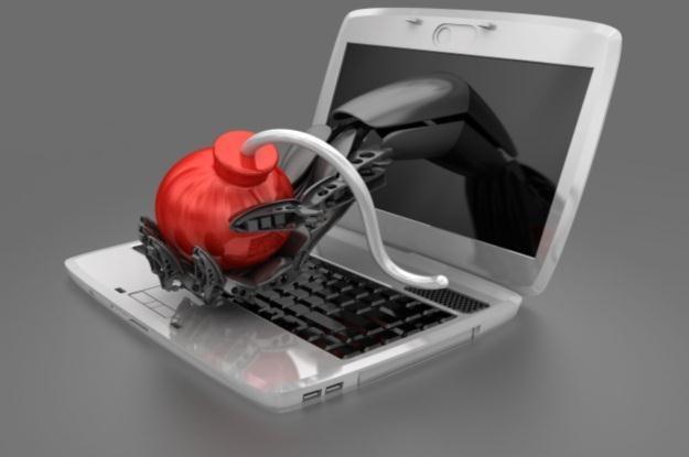 Cyberprzestępcy nie znają wakacji i ciągle atakują nasze komputery /123RF/PICSEL