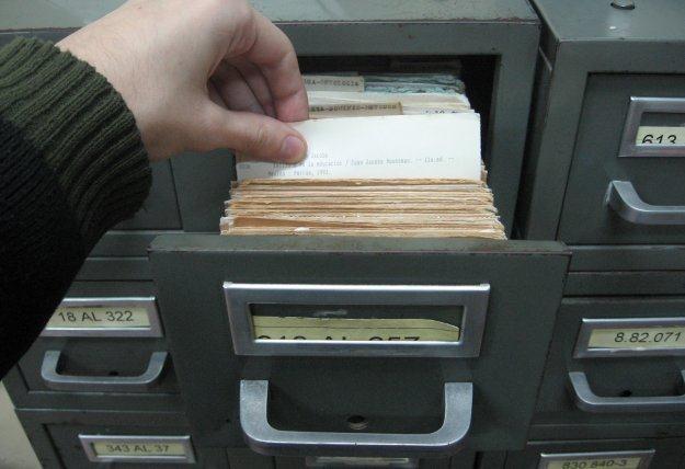 Cyfryzacja zastępuje papier - na całym świecie dane z wersji papierowej przechodzą na wersję cyfrową /stock.xchng