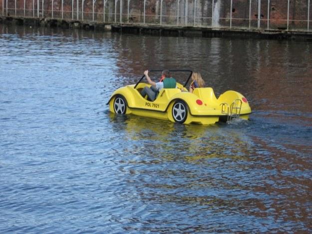 Cywilny schwimmwagen