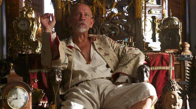 – Czarnobrody jest ambitny i ma plany wobec Santa Campany, ale dręczą go też demony i mroczne wizje – mówi Malkovich. /NBC /materiały prasowe