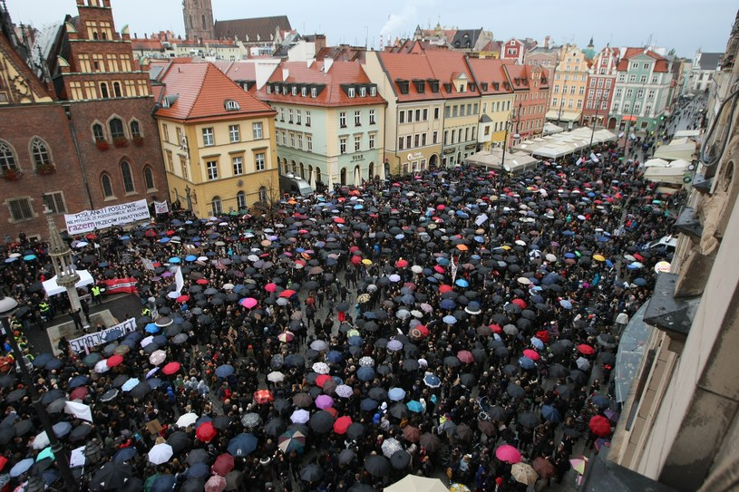 """Czarny protest"" /TOMASZ HO /East News"