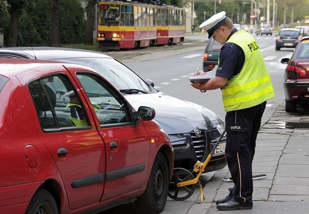 Czasem dobrym rozwiązaniem jest wezwanie policji / Fot: Leszek Rusek /Reporter