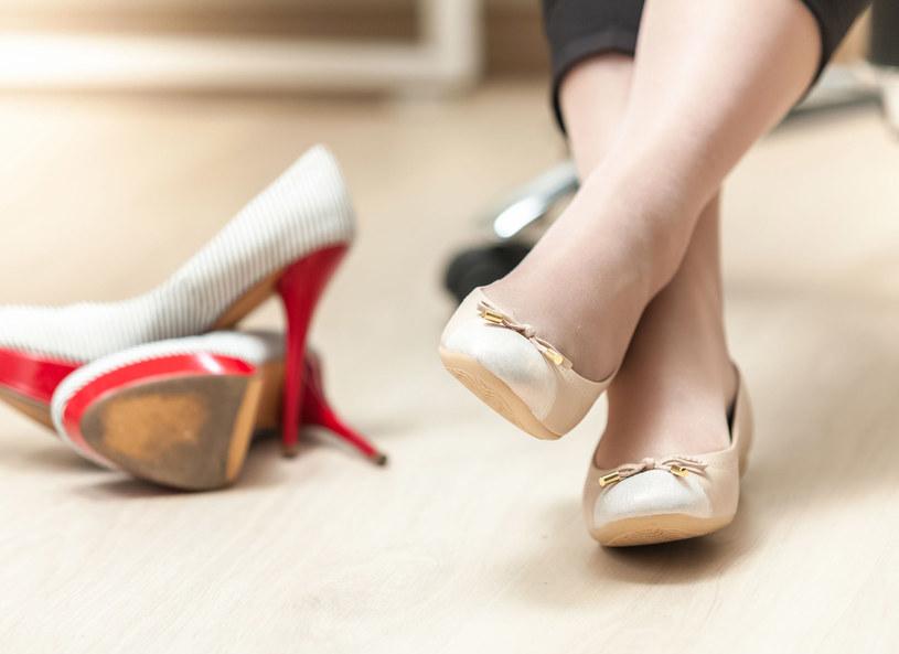 Czasem trzeba zrezygnować z ulubionych butów... /123RF/PICSEL
