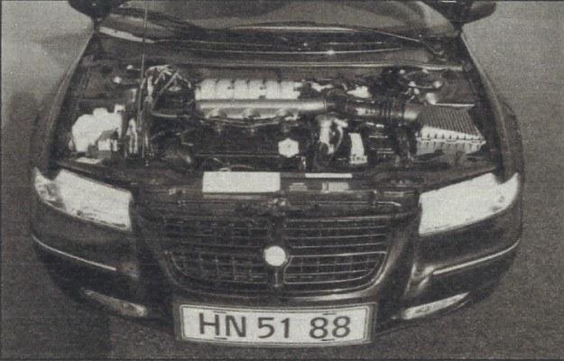 Czasy się zmieniają. Teraz wiele amerykańskich wozów ma silnik V6 ustawiany poprzecznie, napędzający koła przednie. Oprócz tej wersji w Europie oferowana jest 130-konna 2-litrowa jednostka R4 z Neona. W USA ma ona pojemność powiększoną do 2,4 litra. /Motor