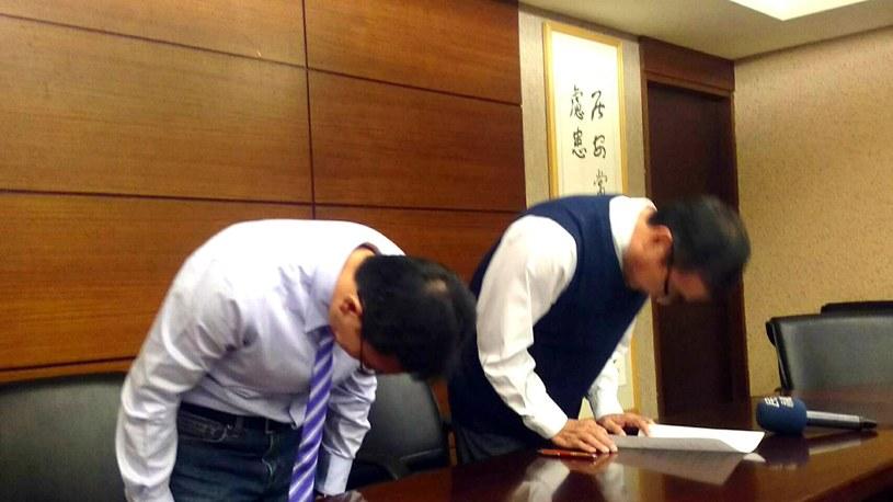 Czeng Hsiao-ming - dyrektor szkoły Kuang Fu w Hinschu - przeprasza za incydent /PAP/EPA
