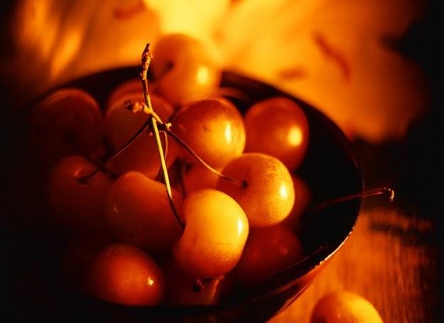 Czereśnie pomagają zmniejszyć ilość kwasu moczowego we krwi /©123RF/PICSEL