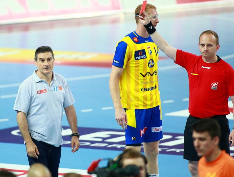 Czerwona kartka dla Manolo Cadenasa /Fot. Marcin Bednarski /PAP