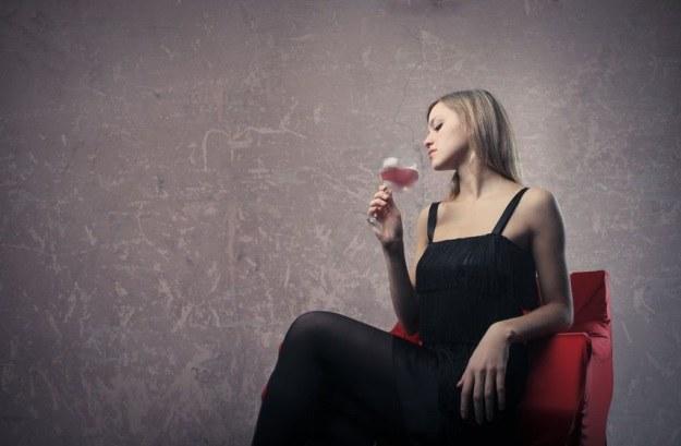 Czerwone wino w pewnym zakresie chroni przed nowotworami /©123RF/PICSEL