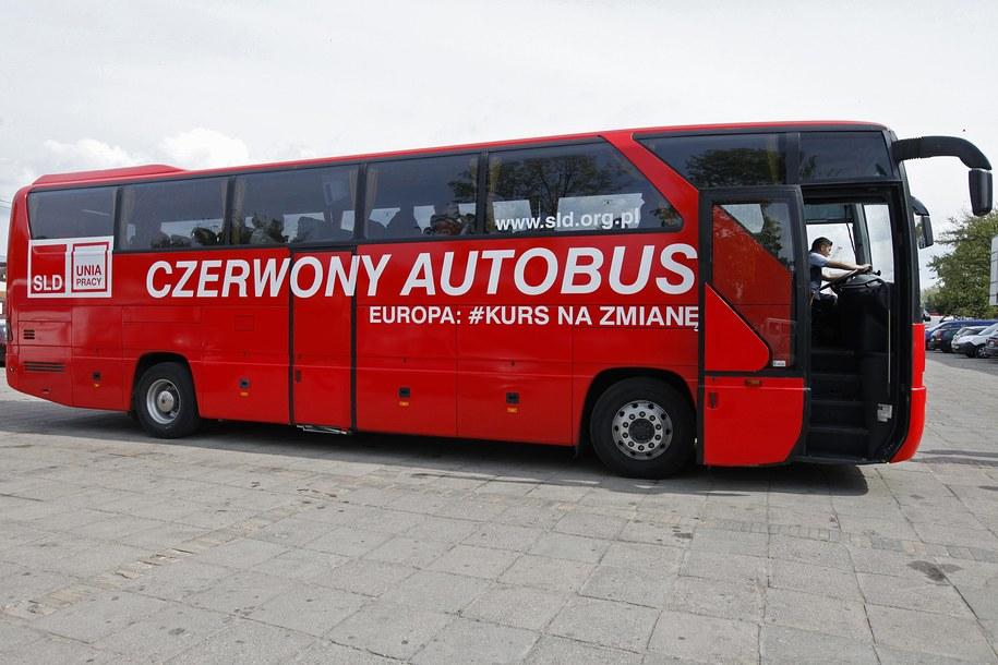 Czerwony autobus / Artur Reszko    /PAP