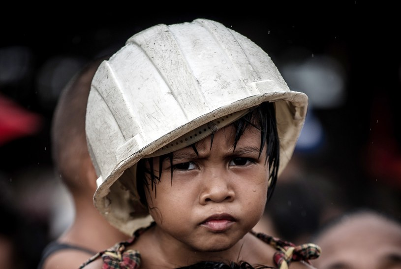 Czerwony Krzyż zaapelował o pomoc dla Filipin /AFP