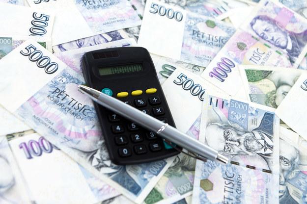 Czescy pracodawcy chętnie zatrudniają polskich pracowników, kusząc ich wyższymi niż w Polsce zarobkami /123RF/PICSEL
