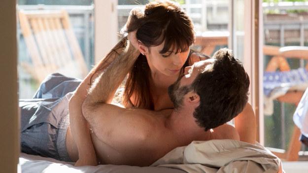 Czy Agata mogłaby pójść do łóżka z człowiekiem, który już raz niemal zniszczył jej życie? /Agencja W. Impact