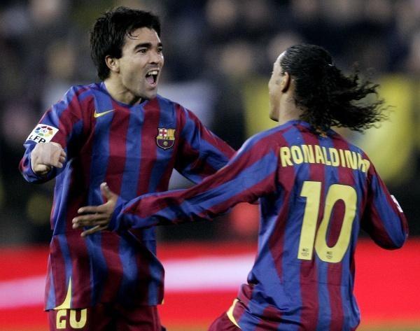 Czy bez Deco i Ronaldinho Barca poradzi sobie na Mestalla? /AFP