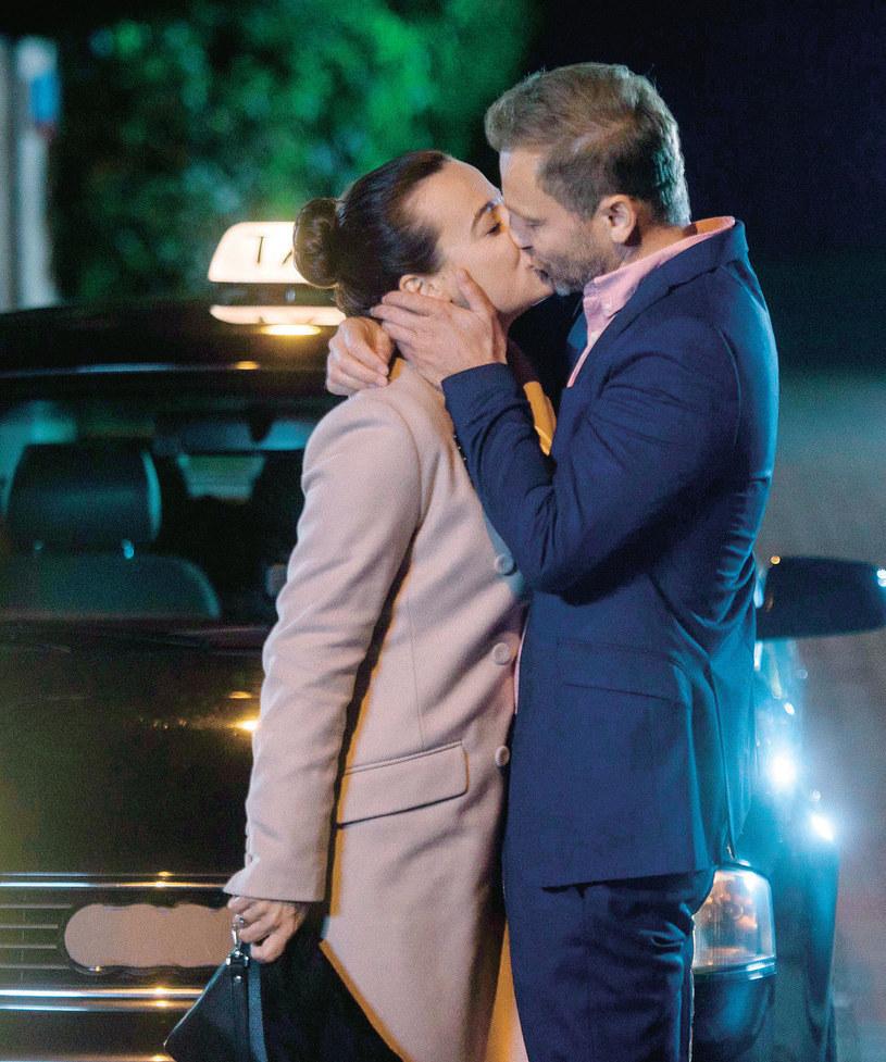 Czy Budzyński przekona Magdę, by dała szansę ich uczuciu? Zdradzamy, że para będzie razem, choć przed nimi jeszcze wiele przeszkód /Agencja W. Impact