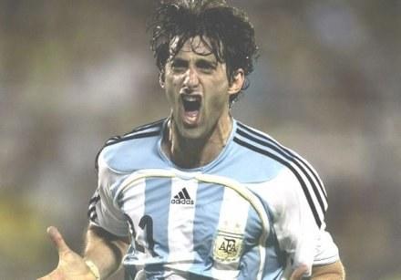 """Czy Diego Milito odmieni grę """"blancos""""? /AFP"""