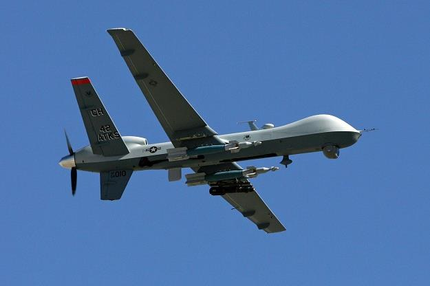 Czy drony będą eliminować piratów, tak jak to robią z terrorystami? /AFP