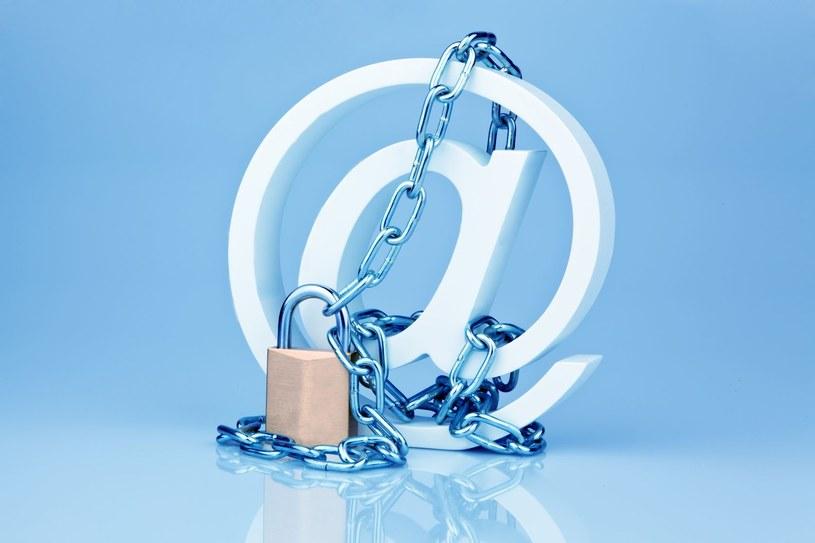 """Czy Google rzeczywiście można nazwać  """"maszyną do gromadzenia danych z maili użytkowników"""", jak twierdzi Consumer Watchdog? /©123RF/PICSEL"""