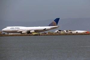 Czy haker zmienił kurs lecącego samolotu?