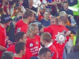 Czy na zakończenie sezonu 2004/2005 będziemy oglądać podobne obrazki? /INTERIA.PL