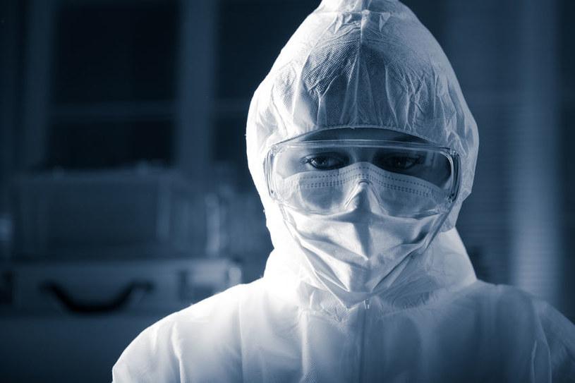 Czy nowa szczepionka pozwoli pokonać wirusa Ebola? /123RF/PICSEL