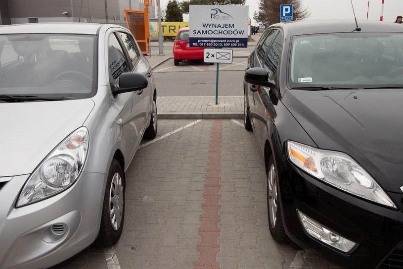 Czy nowa usługa zagrozi wypożyczalniom samochodów? /Maciej Gocłoń /East News