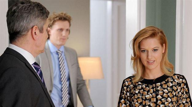Czy ojciec przekona Aśkę, że nie wyobraża sobie prowadzenia kancelarii bez jej pomocy? /Agencja W. Impact
