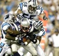 Czy Patriots i Panthers znów spotkają się w Super Bowl? /AFP
