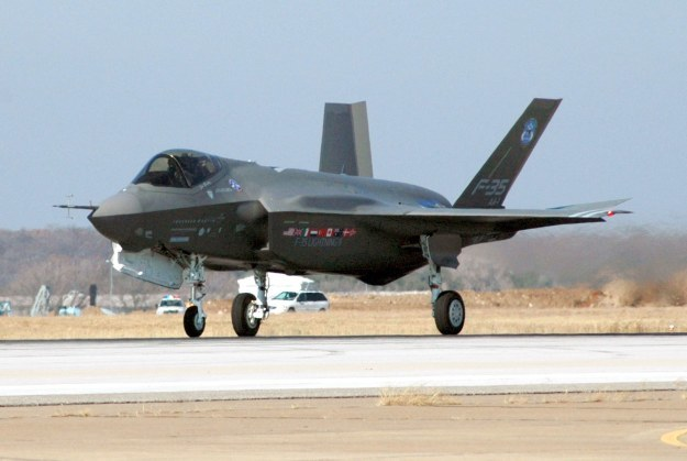 Czy piloci wojskowych maszyn będą używać tabletów z Windows 8? /AFP