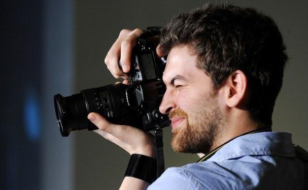 Czy Polacy nie chcą już kupować aparatów fotograficznych? /AFP