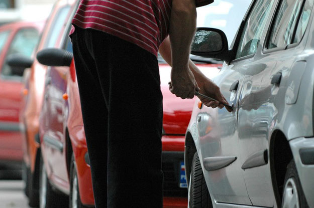 Czy Polacy nie kradną w Niemczech samochodów? Kradną, i to często w bardzo spektakularny sposób /Fot. Piotr Kamionka /Reporter