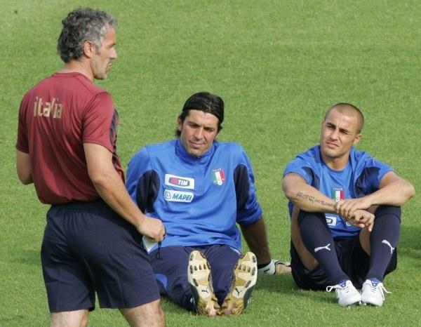 Czy Roberto Donadoni i jego podopieczni wygrają z Francją w Paryżu? /AFP