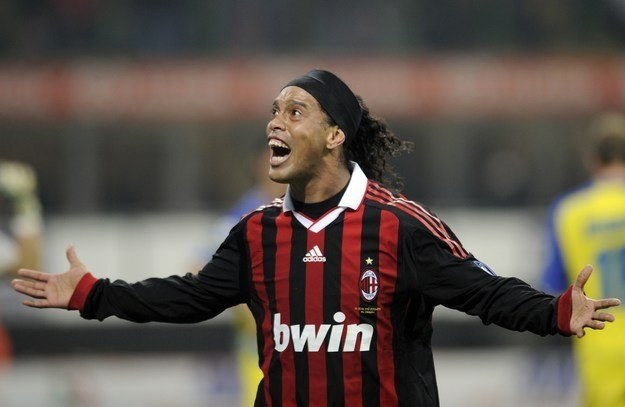 Czy Ronaldinho poźegna się z Milanem? /AFP