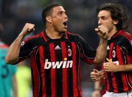 Czy Ronaldo podąży śladem Roberto Carlosa? /AFP