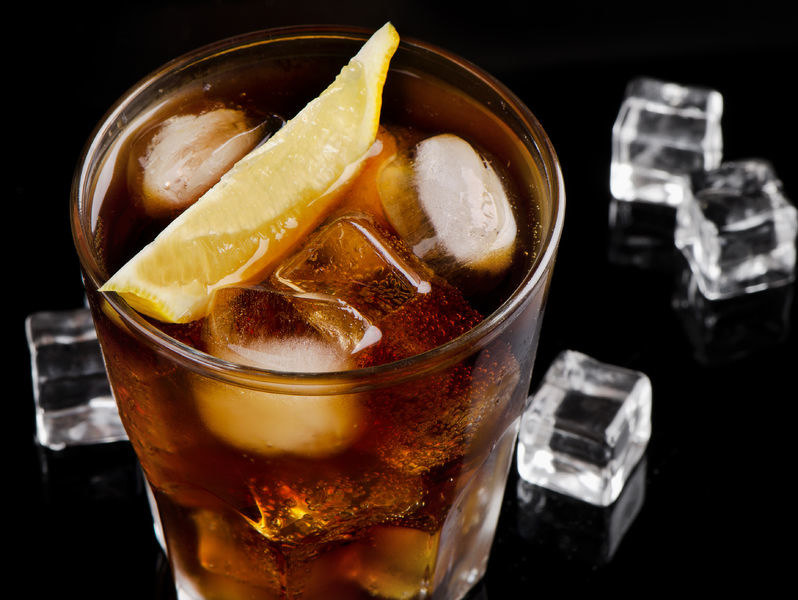 Czy słodkie napoje są rakotwórcze? /©123RF/PICSEL