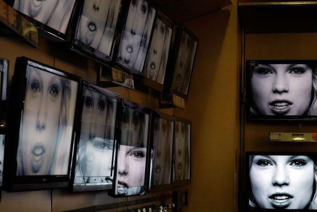 Czy technologia QD odeśle do lamusa rozwiązania LCD i OLED? /AFP