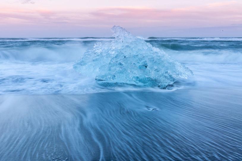 Czy topniejące lodowce obudzą zabójcze wirusy? Na razie nie ma czego się obawiać /123RF/PICSEL